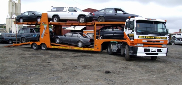 <h2>Towing</h2>Phone Dispatch - 09 238 4207